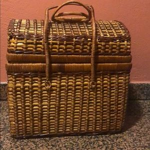 Fully Equipped Vintage Picnic Basket !